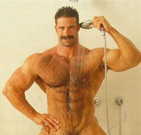 волосатые мужики в душе - 8